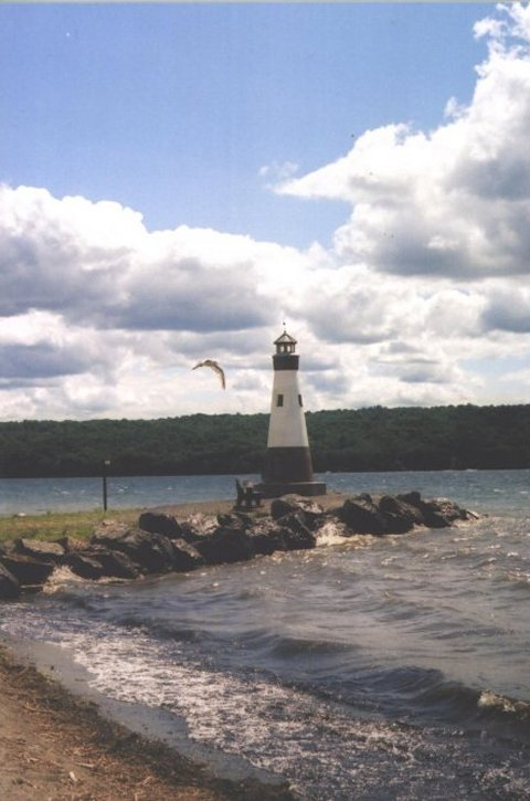 Lighthouse_at_Myers_Point